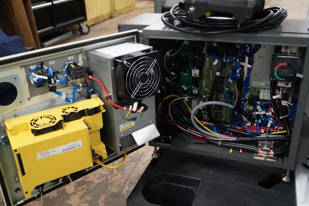 Fanuc M 1ia 0 5a R 30ib 7 Axis Delta Robot Cell Scc